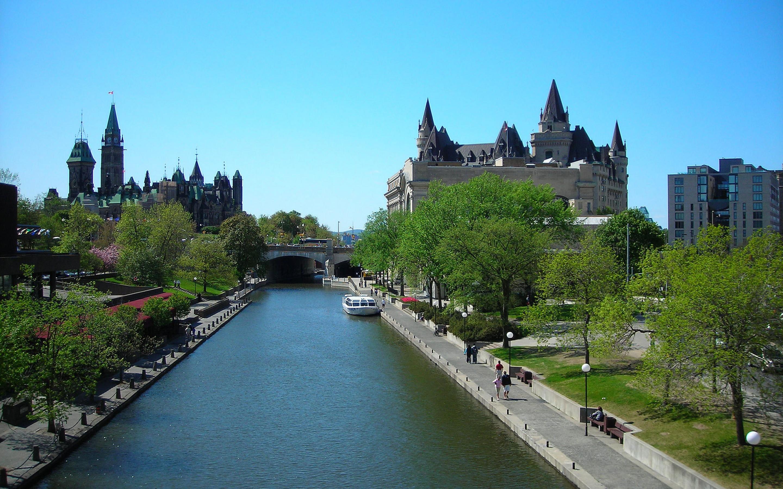 Ottawa-River-Scenery-Canada-1800x2880.jpg