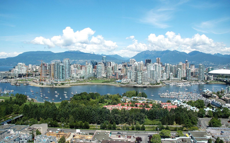 Overlooking-Vancouver-Canada-Wallpaper-1800x2880.jpg