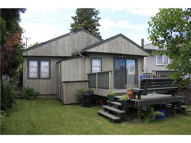 13-4650-mchardy-st-vancouver-bc-canada-character-heritage-homes-real-estate-for-sale.jpeg