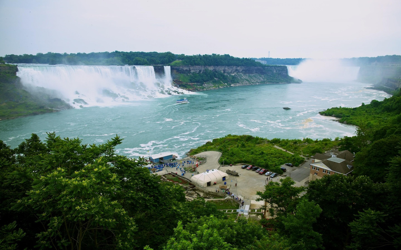 niagara-falls-ontario-canada5-1800x2880.jpg