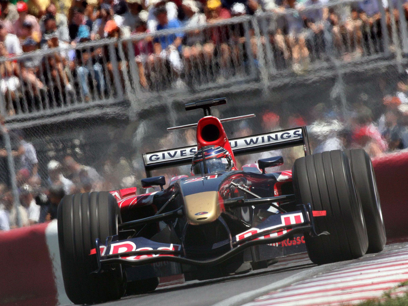 F1-Fansite.com HD Wallpaper 2006 F1 GP Canada_07.jpg